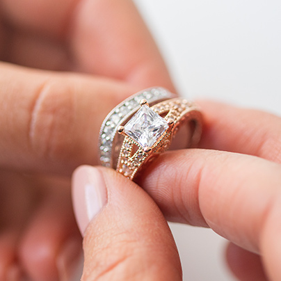 7 Advantages of Buying Your Own Engagement Ring